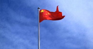Die Dummheit der Menschen ist unantastbar. Der Westen als sich wehrendes Opfer Chinas?